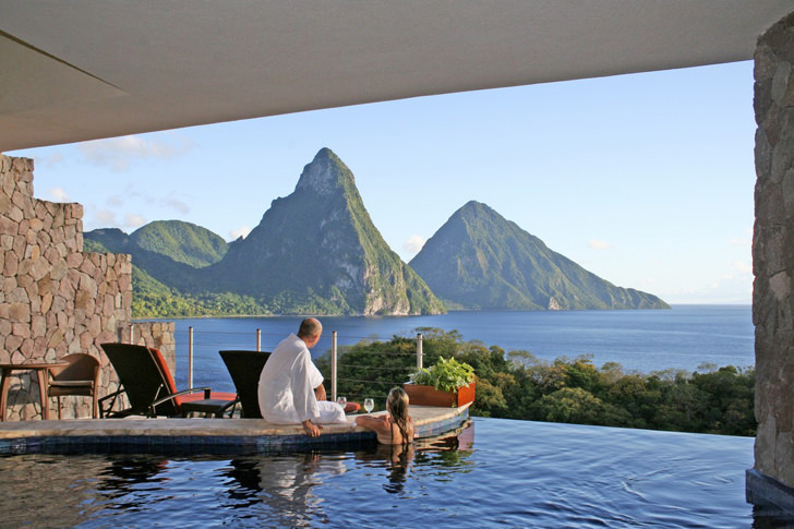 Jade Mountain St Lucia negative edge zero edge infinity pool disappearing edge vanishing edge pool